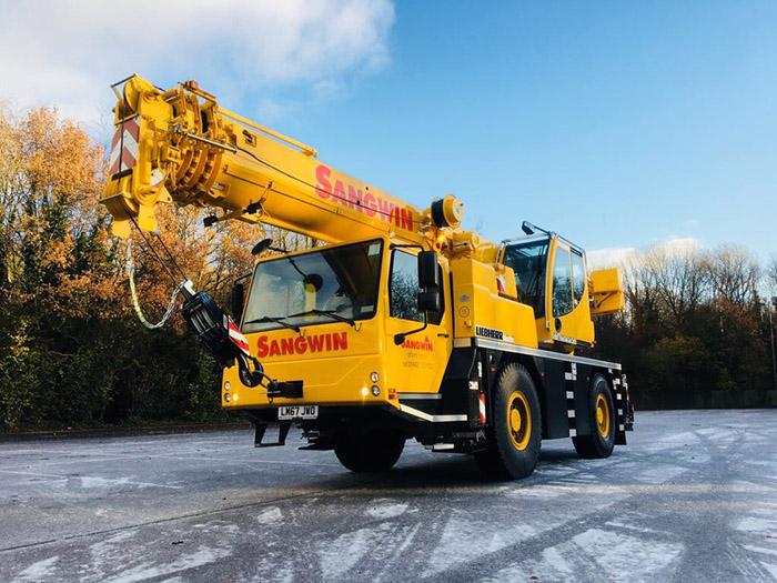 New 40 Ton Crane
